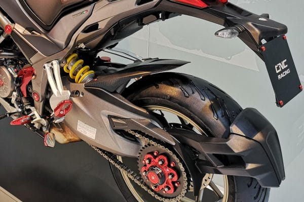 Rear upper chain guard Ducati Multistrada - Matt Carbon